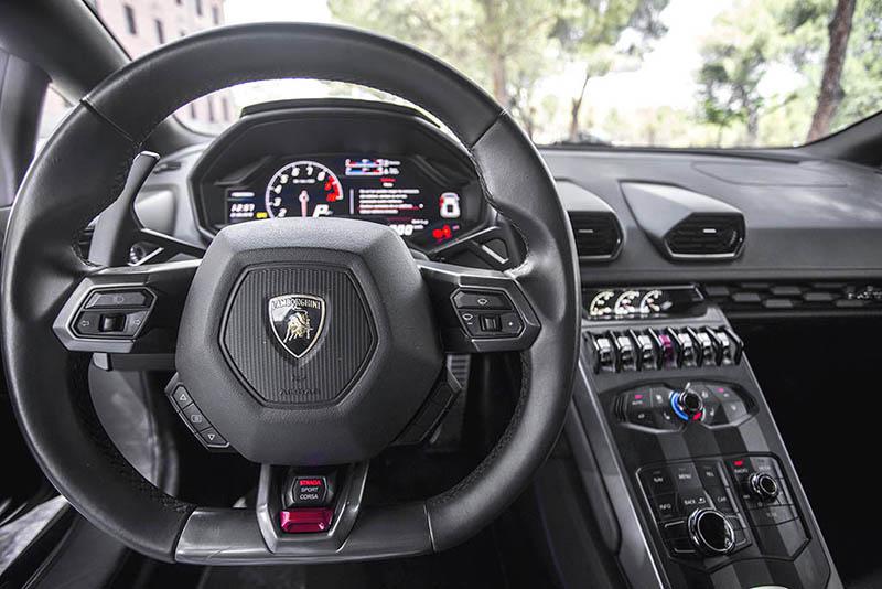 Lamborghini Huracan Ibiza Negro Volante