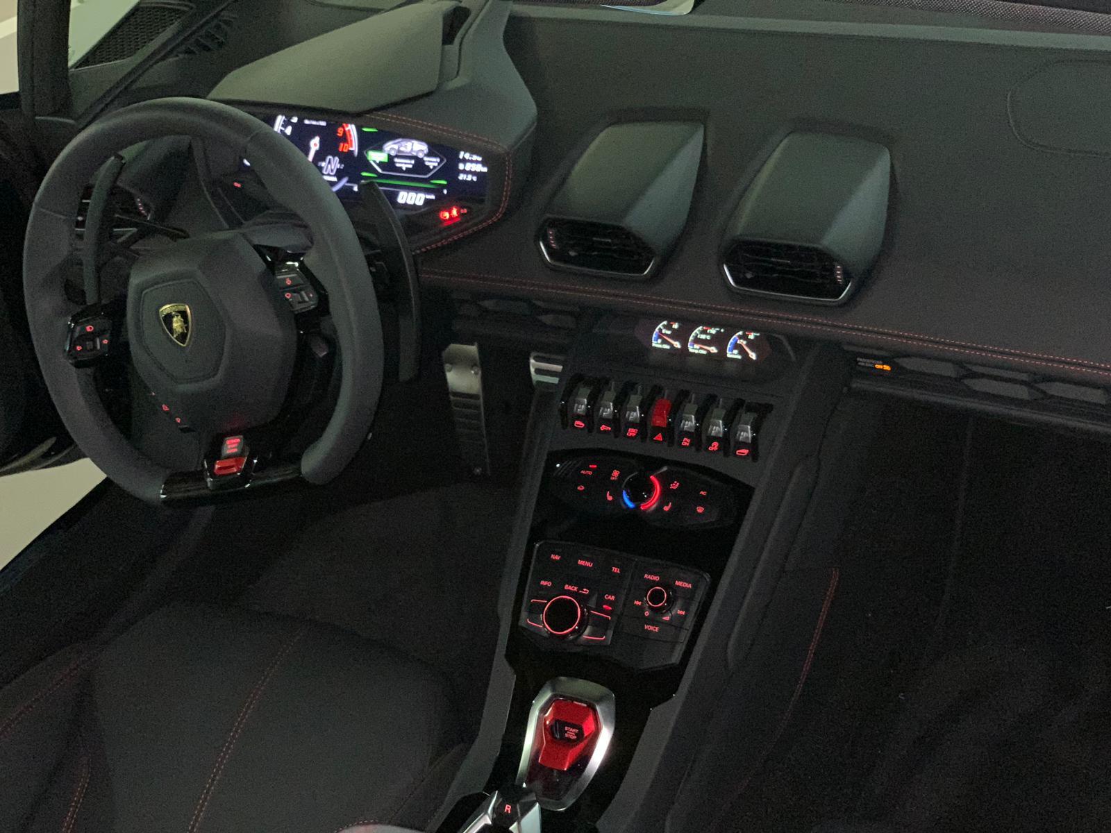 Lamborghini Huracan Spyder (5)