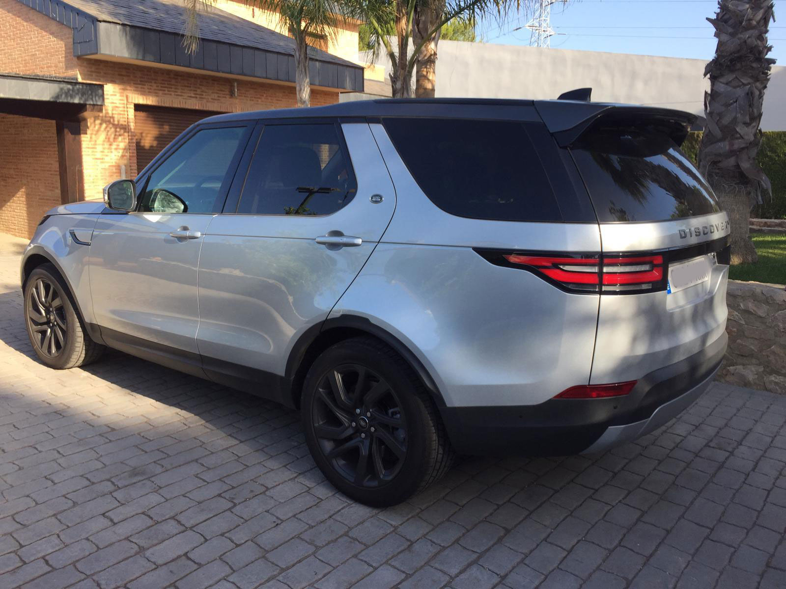 Range-Rover-Discovery-(2)