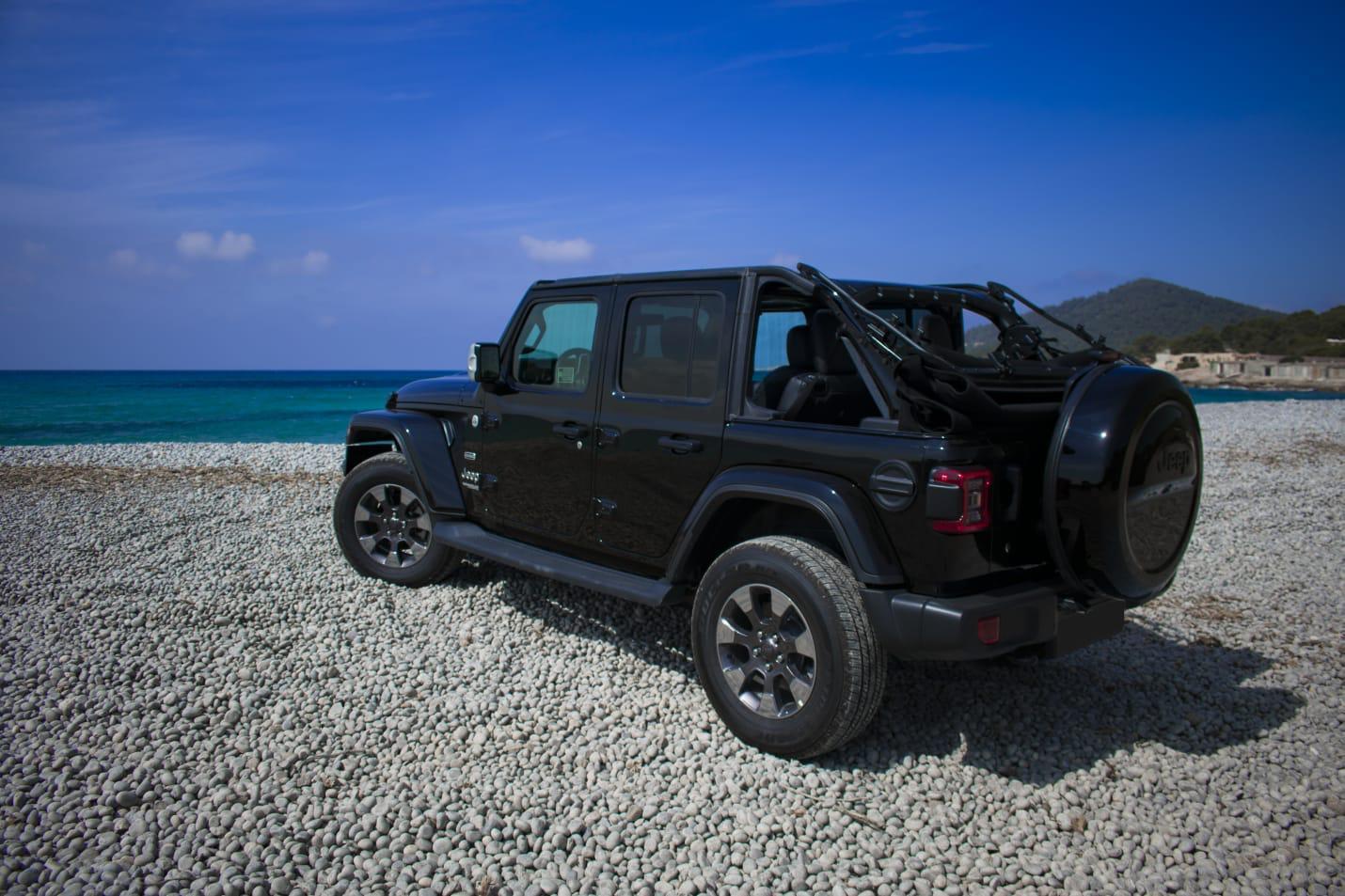 Jeep Wrangler 5 doors rental Ibiza (3)