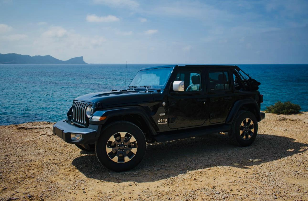 Jeep Wrangler 5 doors rental Ibiza (4)