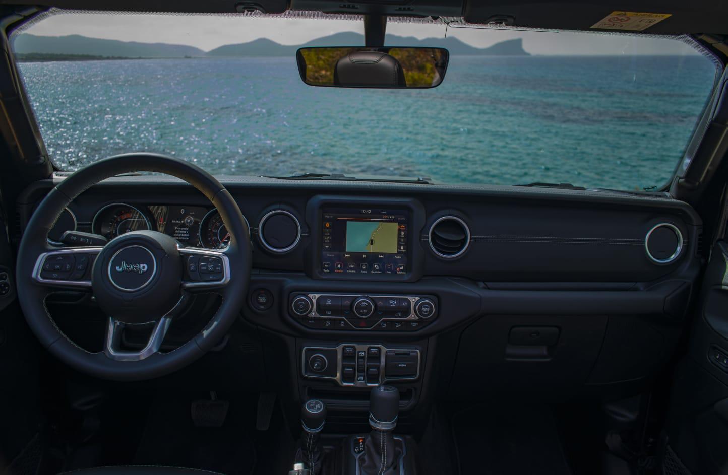 Jeep Wrangler 5 doors rental Ibiza (5)