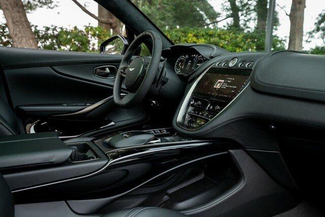 Aston-Martin-DBX-Rental-Ibiza-4