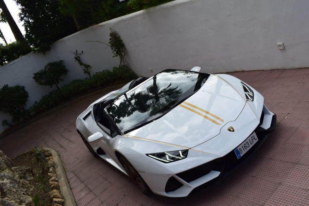 Lamborghini Huracan EVO Spyder Rental Ibiza (1)