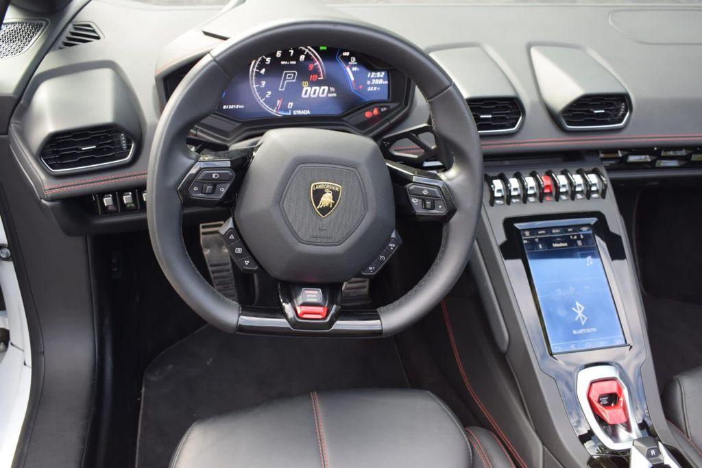 Lamborghini Huracan EVO Spyder Rental Ibiza (2)