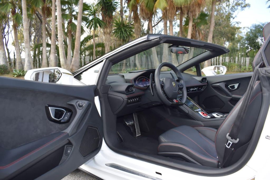 Lamborghini Huracan EVO Spyder Rental Ibiza (6)
